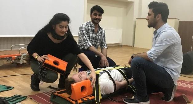"""21 Mart 2018 """"Travmalı Hastaya Yaklaşım, İleri Hava Yolu Yönetimi ve Uygulamaları Eğitimi"""""""